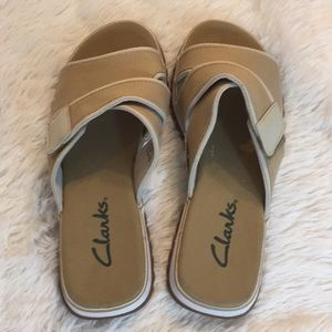 Clarks Velcro canvas tan sandals